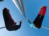 Fitness unter freiem Himmel auf dem Trimm dich Parcours Westfeld - Sauerland - Station Klimmzug